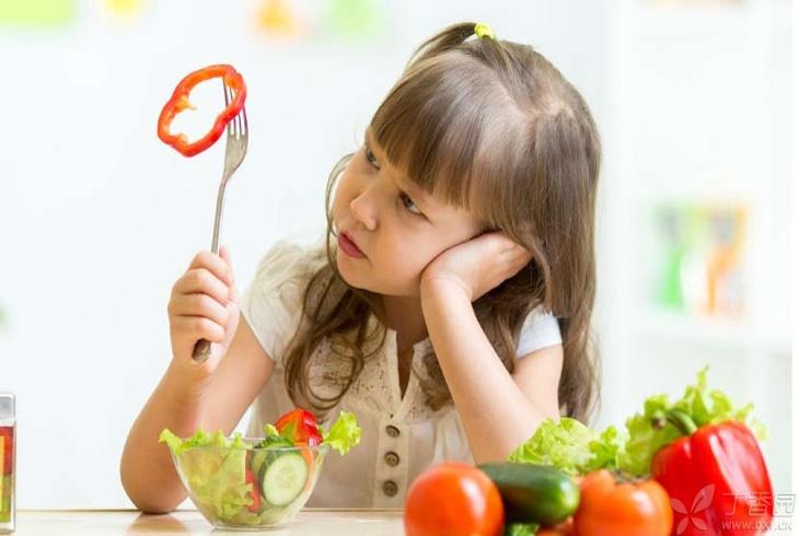 """孩子挑食不再是常事 ,可能是""""节制型摄食症"""",会影响负面情绪!"""