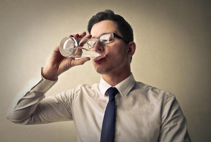 喝酒要量肝而为,了解肝脏一天能承受多少酒?