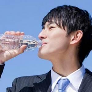 男性喝对饮水时间,可防前列腺炎!