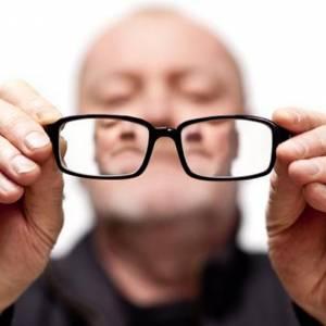 视力不好伤脑力,护眼等于在护脑!眼睛衰退,大脑记忆力也会有影响