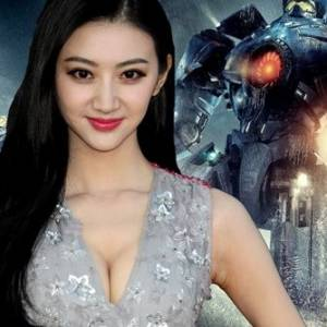 《Pacific Rim 2》开拍换导演换演员 景甜主演张晋参演全面中国化