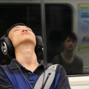 戴耳机久影响听力