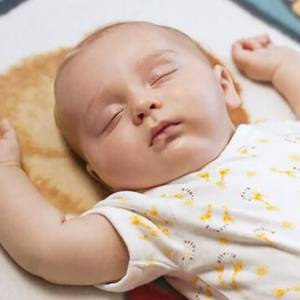 1岁以下的宝宝的最佳睡姿