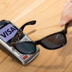 """可以用来""""刷""""的太阳眼镜? VISA准备与时尚结合"""