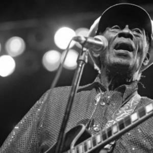 传奇摇滚乐手Chuck Berry逝世  享年90岁