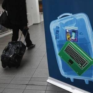 美国新条例: 8国乘客禁带大于手机的电子产品登机