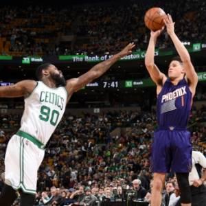 《NBA》最年轻70分先生 布克半场轰51分