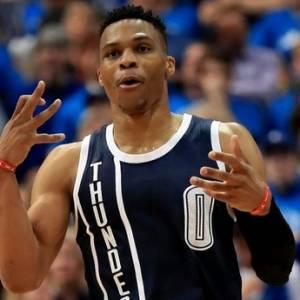 《NBA》场均三双55年后再现 威少成史上第2人