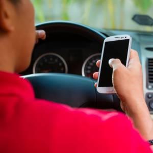 交通扣分制开始了,你开车时还在用手机吗?