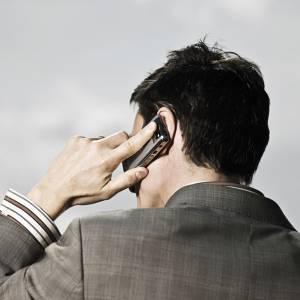 每天使用手机超过30分钟,患癌风险高出40%!