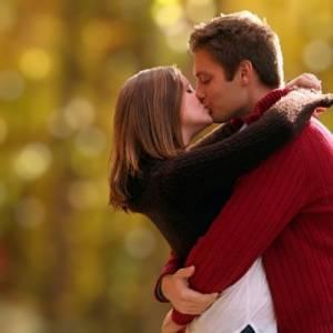接吻时交换1千种细菌 反倒助于治疗发烧感冒