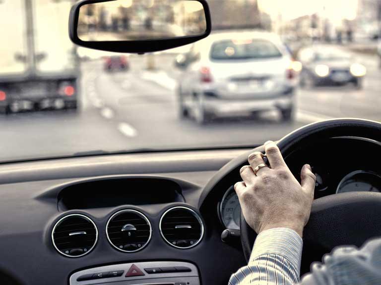 你每天开车多久? 超过2小时小心损智力伤大脑!