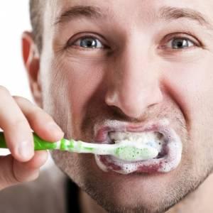 牙刷牙膏要不要先沾水? 你有刷对牙吗?
