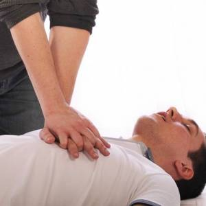 昏倒没呼吸会脑死,学会CPR能救一命!