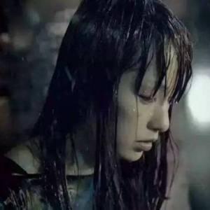 为何淋雨会生病,在家洗澡又没事?