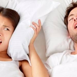 鼾声太大不敢和人同睡?伸舌头有助改善!