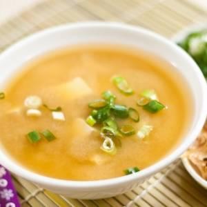 雨天来碗暖呼呼的鲑鱼味增汤吧!