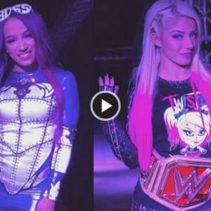 史上头一遭 WWE女星如此衣衫完整打比赛 原因是......