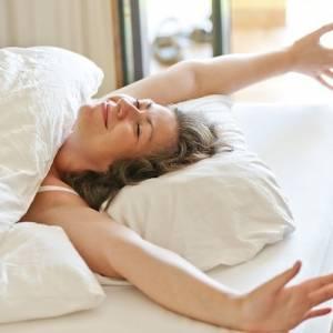 睡不好?除了手机,这些物品也别放在床头!