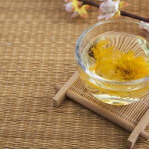 新年天气格外炎热  来杯五花茶消暑解渴!