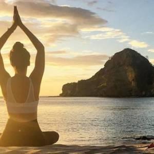【睡前瑜伽】几个简单动作,助你安稳入眠!