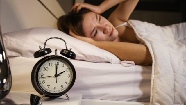 """""""478呼吸法""""  一分钟就能睡死的神技巧!"""