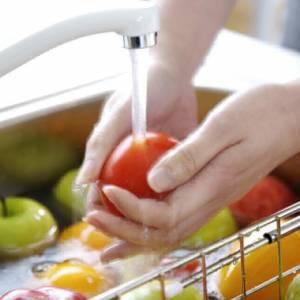 洗米水洗蔬果更干净?原来事实并非如此!
