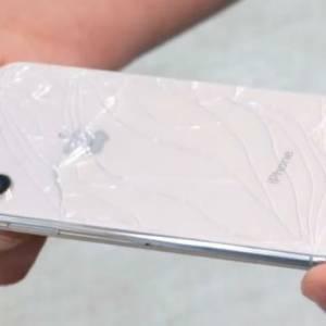 手特别滑?美调查:每一分钟有96支手机掉地上!