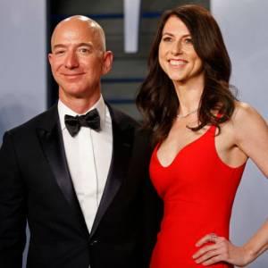 亚马逊CEO贝佐斯宣布离婚 1370亿美元财产怎么分?