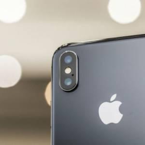 iPhone折叠屏要来了?三星传向苹果提供面板样本