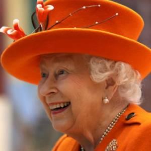 人老心不老!英女王也玩IG 首发贴文引热议