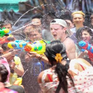 遇上泰王加冕典礼  曼谷市区泼水节活动受影响!
