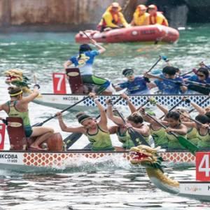 这个时候到香港  一定要去看龙舟比赛!