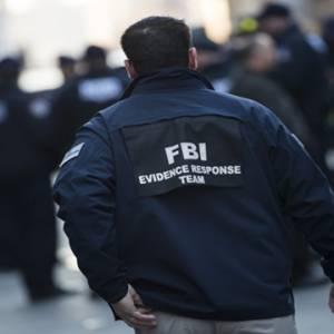 """""""我们只是透过漏洞入侵"""" FBI网站遭黑,特工身份或泄露!"""