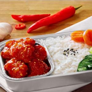 《拜托了冰箱》艺人操刀  亚航推出全新韩式甜辣鸡料理