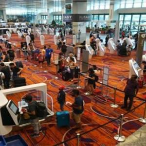 外国人离境新加坡  422起护照不用盖章了!