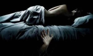 老公死后,身边的呼吸声伴她入眠……
