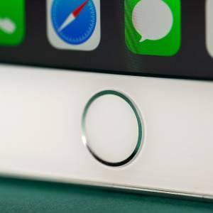 特朗普发牢骚 隔空喊话叫Tim Cook把iPhone的这个功能弄回来!