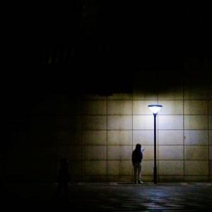 网友分享走夜路时遇到过的诡异经历,有些看过真的让人后怕!