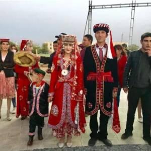 中国唯一的白色人种,男女都长得很好看,却不和外面的人通婚