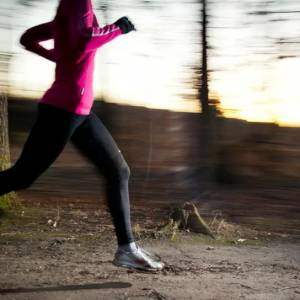 新手怎么跑步才能减肥?从慢跑开始,过渡为间歇跑!