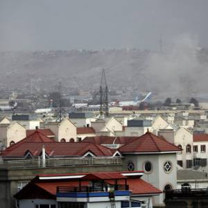 喀布尔自杀炸弹攻击至少72死 IS坦承犯案(综合新闻)