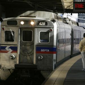 恐怖!美国女生地铁上被性侵,周围乘客无人帮忙还录像传上网