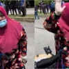 """Makcik Mengamuk-""""Mana Ada Perdana Menteri Bela Nasib Rakyat Macam DS Najib!"""""""
