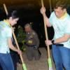 Raja Thailand Curi Perhatian Sapu Lantai Penjara Dengan Gundik