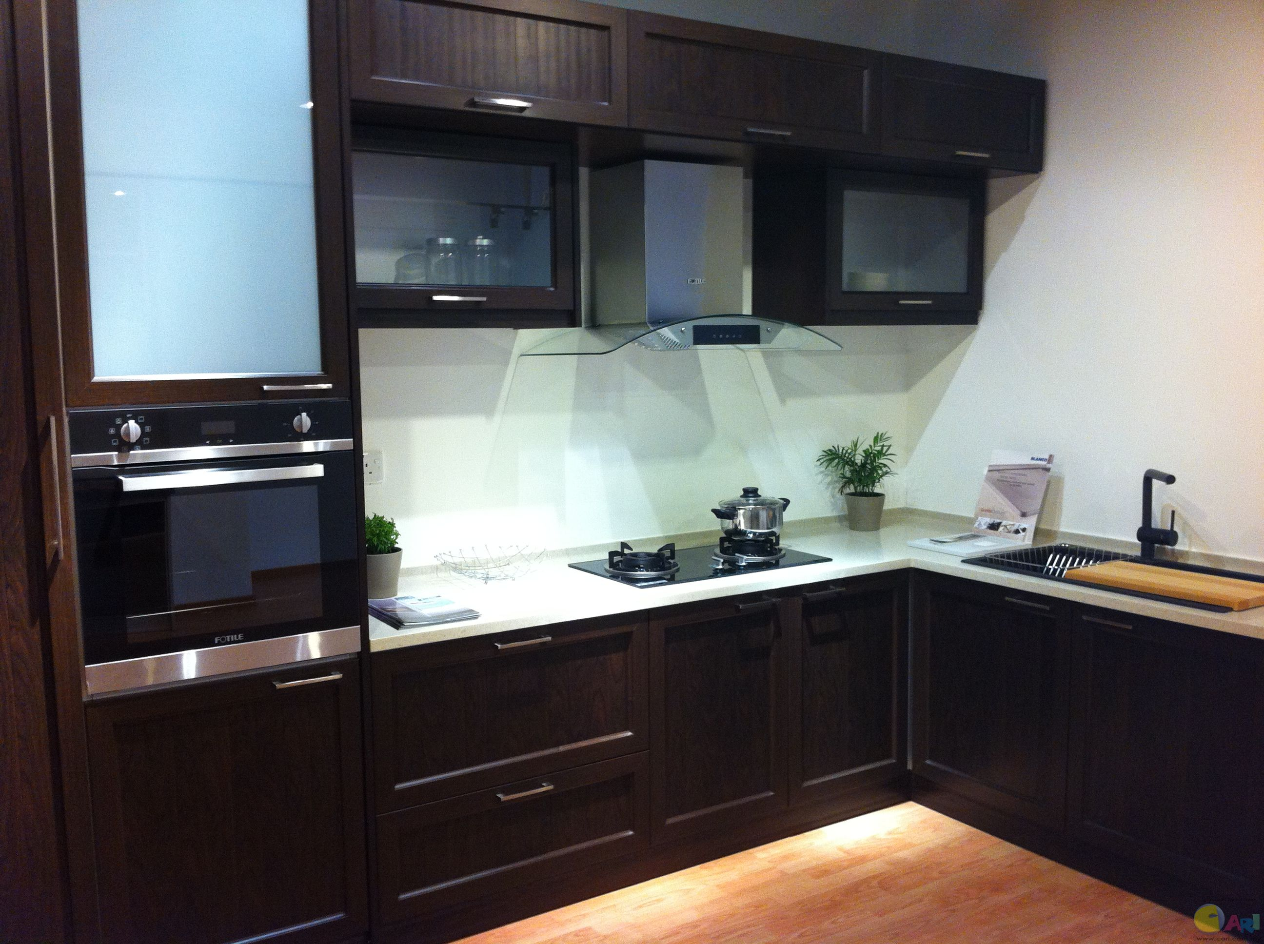 Full aluminium kitchen cabinet cari infonet powered by for Kitchen cabinets aluminium