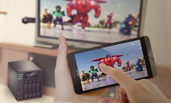 Nikmati hiburan multimedia dari skrin kecil ke skrin besar