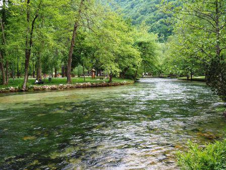 Air sungai yg bersih & sejuk