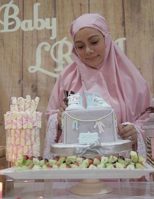 Wah! Majlis 'Baby Shower' Linda Rafar Tema Bertelekung