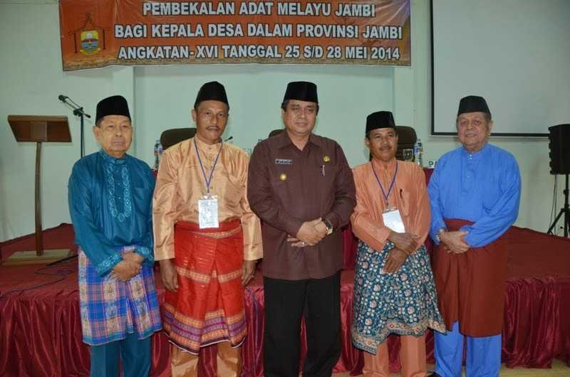 Pembekalan Adat Melayu Jambi bagi Kepala Desa dalam Provinsi Jambi angkatan XVI .jpg